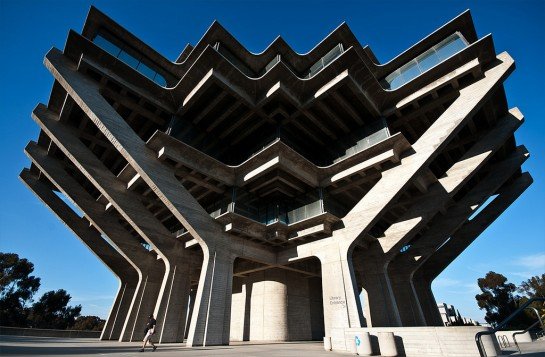 Die Geisel Library in San Diego (University of California)