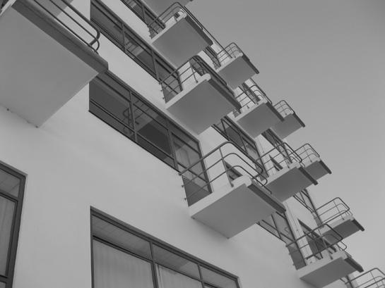 Stahlbeton-Balkone